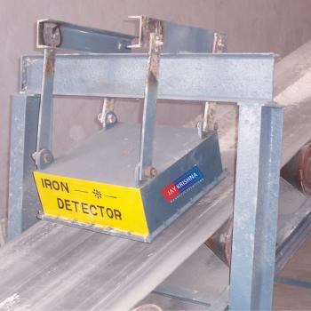 Suspension Magnet On Field